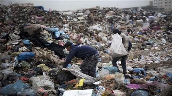 أكثر من 7 آلاف مغربي يعيشون على الأزبال