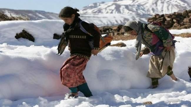 طقس الاثنين: عودة التساقطات الثلجية وزخات مطرية في هذه المناطق