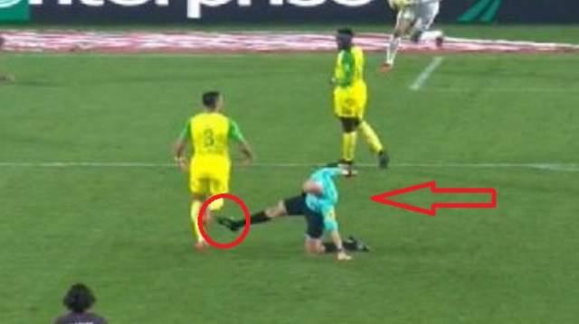 الاتحاد الفرنسي يعاقب حكما ضرب لاعبا وطرده في مباراة من الدوري (+فيديو)