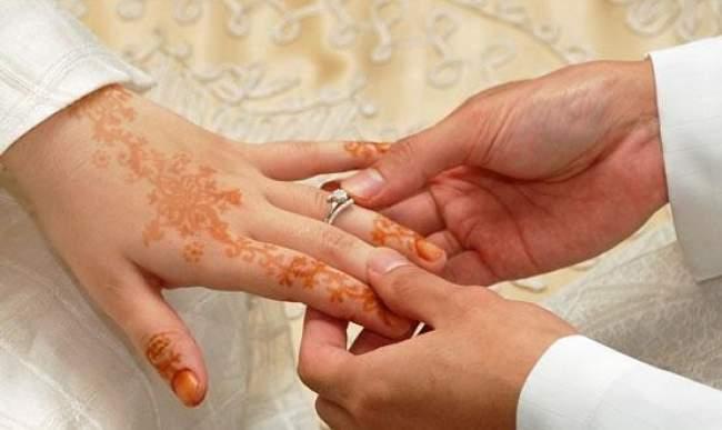 سـابقة.. دولة عربية تلغي المهر في الزواج