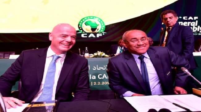 """رئيس الكاف """"يتمرد"""" على قرارات الفيفا ويؤكد دعم إفريقيا للمغرب في الترشح للمونديال"""