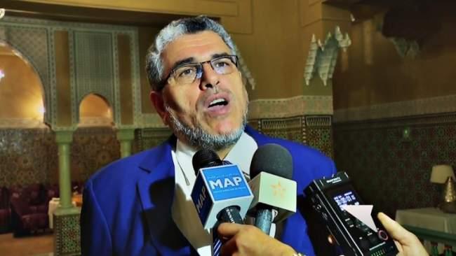 الرميد يدافع عن الخطة الوطنية حول الديمقراطية ويترجمها للأمازيغية