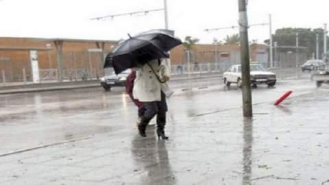 طقس الاثنين: سحب كثيفة وزخات عاصفية ببعض مناطق المملكة