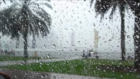 مسؤول بالأرصاد الجوية يحذّر المغاربة من التقلبات الجوية