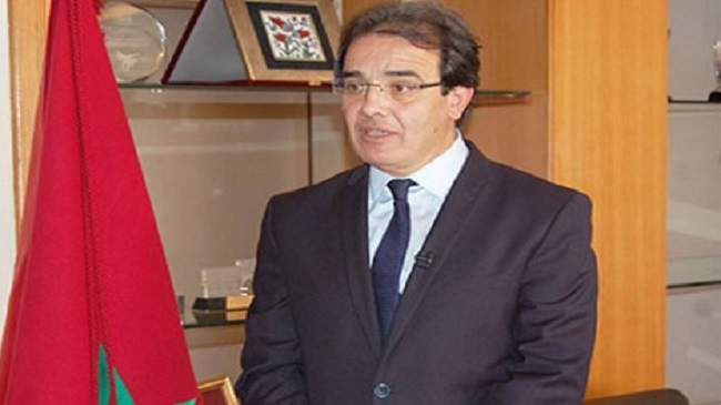 وزارة بنعتيق تجمع المغاربة المقيمين بالإمارات المتحدة لتفعيل الجهة 13