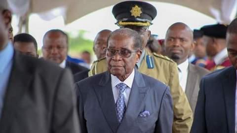 موغابي يعود من جديد..والقيادة الجديدة في زيمبابوي تدرس سحب الاعتراف بالبوليساريو