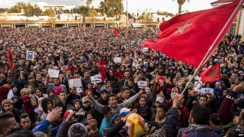"""جرادة """"مقلوبة"""".. الاعتقالات تتواصل والمحتجون يصعدون"""