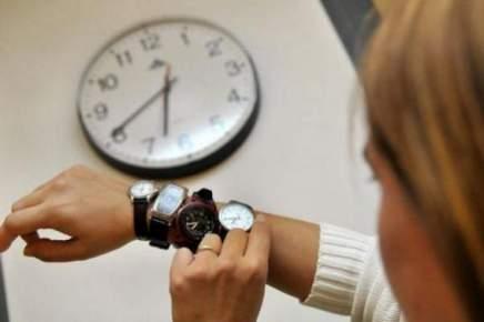 الساعة الإضافية..المغاربة يضبطون ساعاتهم من جديد في هذا التاريخ