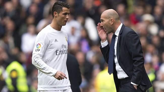 زيدان يبعد رونالدو من تشكيلة ريال مدريد