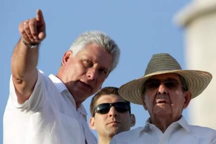 """رئيس جديد ينهي عهد """"آل كاسترو"""" في كوبا"""