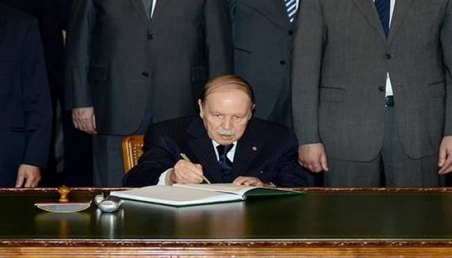 الحزب الحاكم في الجزائر يدعو بوتفليقة إلى ولاية خامسة
