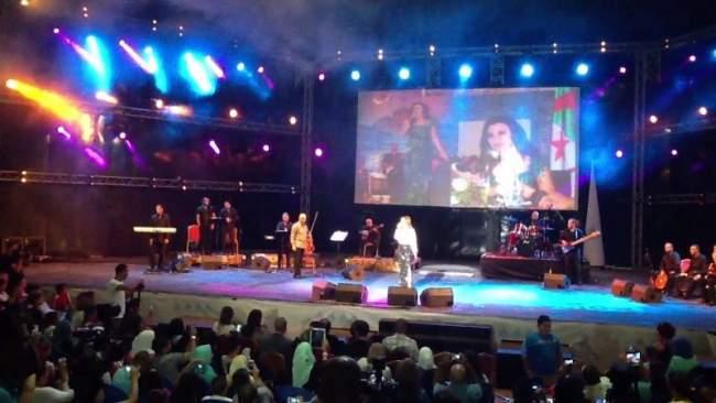 الفنانون العرب ممنوعون من إحياء الحفلات في الجزائر لهذا السبب