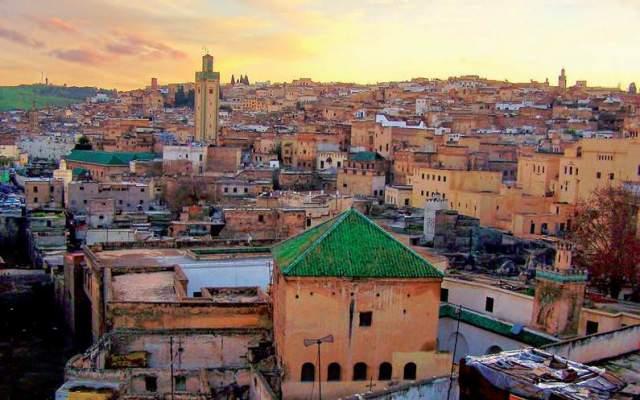 طقس الجمعة بالمغرب: حرارة وسحب متفرقة في هذه المناطق