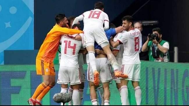 هكذا احتفل الرئيس الإيراني بفوز منتخب بلاده على المغرب + صورة