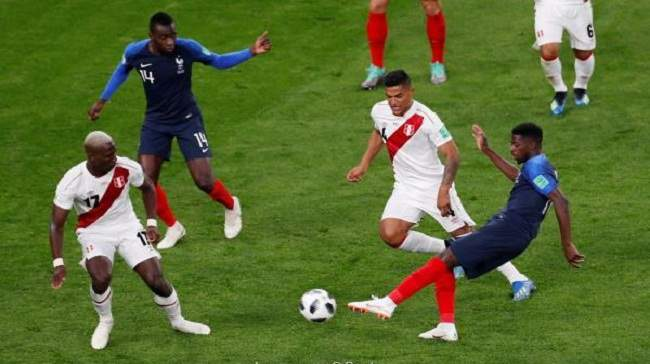 فرنسا تتأهل إلى الدور الثاني بأداء ضعيف والبيرو تودع