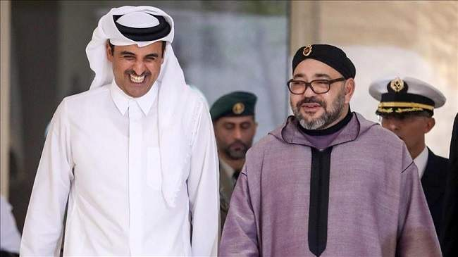 """الملك يبلغ أمير قطر حرصه """"الراسخ"""" على تعزيز العلاقات"""
