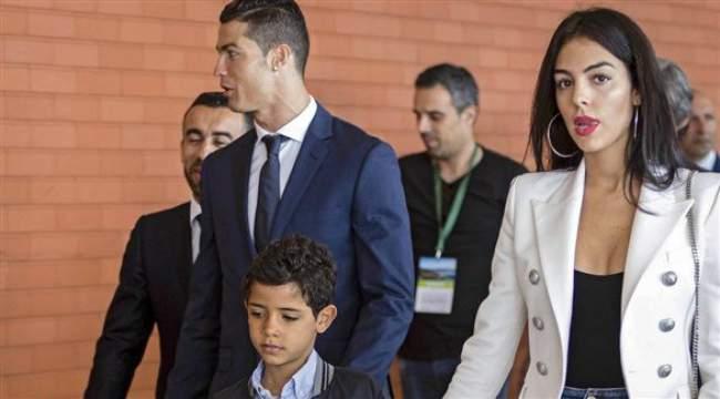 كريستيانو رونالدو يعود فجأة إلى مدريد
