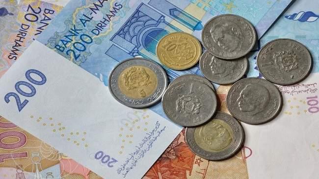 الدرهم يرتفع مقابل الدولار وينخفض أمام الأورو