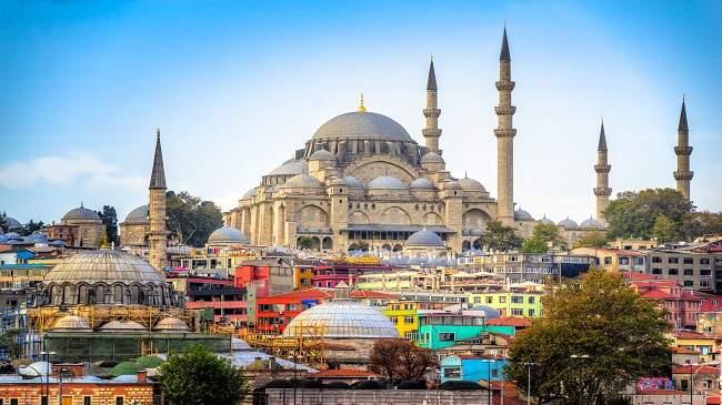 """إقبال متزايد لإنخفاض التكلفة..إسطنبول """"ساحرة"""" المغاربة"""