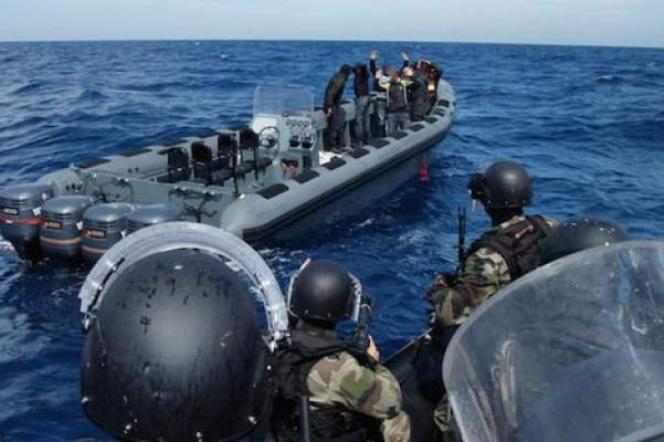 """البحرية الملكية تتدخل بعد هذه التطورات ومصدر يكشف حقيقة """"الشخص المصاب""""!"""