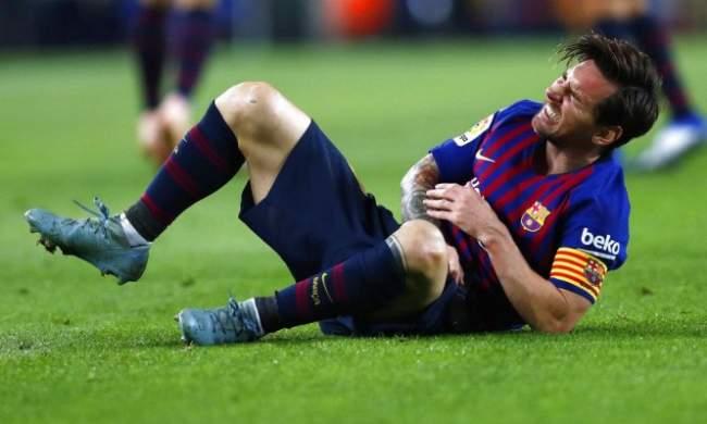 """رسميا.. برشلونة يعلن مدة غياب ميسي """"الصادمة"""""""
