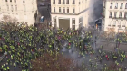 بث مباشر .. شاهد احتجاجات ''السترات الصفراء'' تشعل باريس
