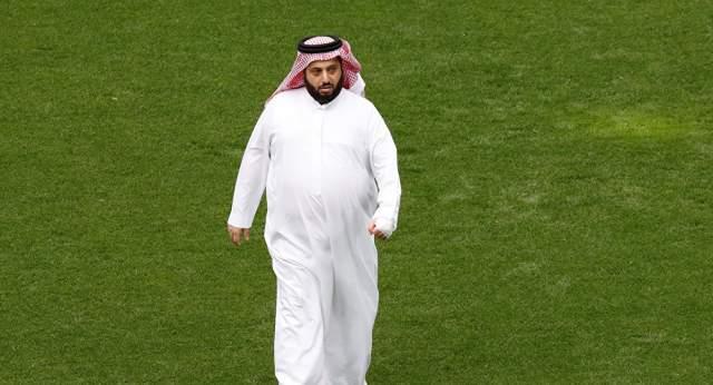 تركي آل الشيخ يودع الجماهير