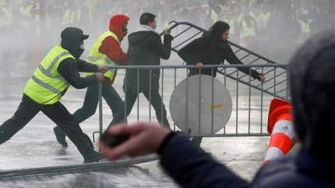 """بسبب """"مراكش"""".. مواجهات دامية واشتباكات عنيفة في بلجيكا"""