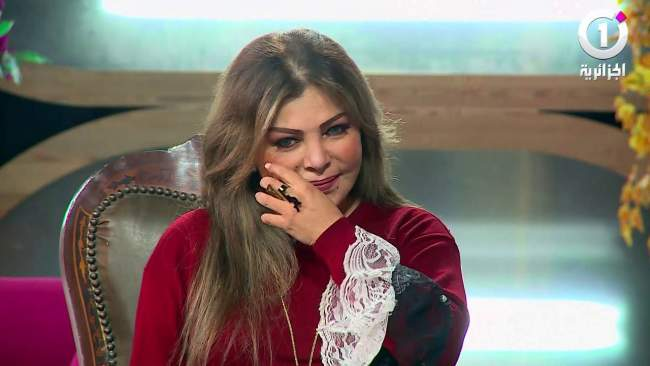 فيديو: فلة الجزائرية تبكي بحرقة و تروي قصة حبها مع الشاب خالد!