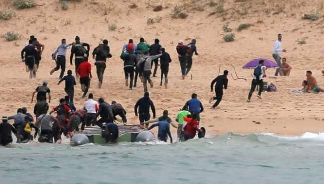 اسبانيا تضغط على الاتحاد الأوربي لمساعدة المغرب على احتواء تدفق المهاجرين السريين