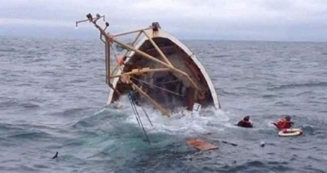 غرق بحارة في حادث انقلاب قارب للصيد في سواحل بوجدور