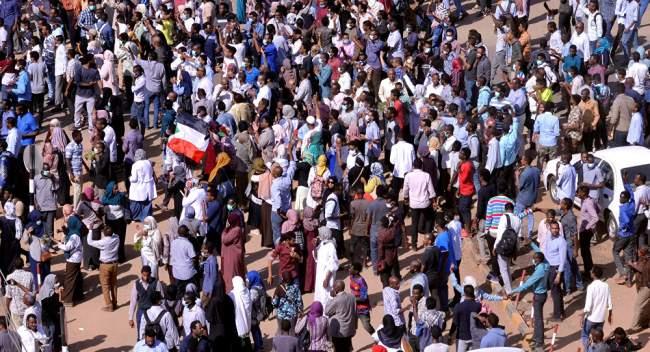 """دولة خليجية تحدد """"بديل"""" رئيس السودان للمخابرات الأمريكية"""