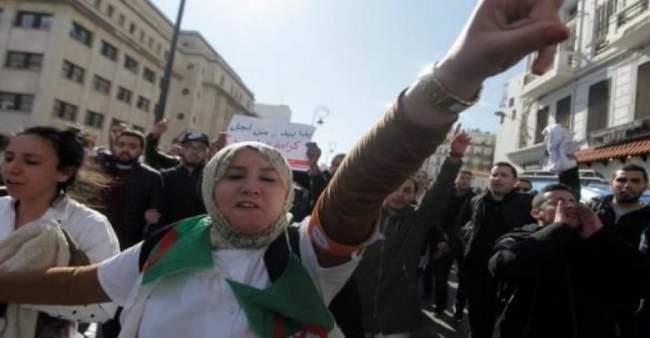 غليان شعبي في الجزائر إثر إعلان بوتفليقة ترشحه لولاية خامسة