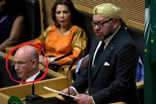 دبلوماسي جزائري رفض السلام على الملك محمد السادس يخرج عن صمته مجددا!