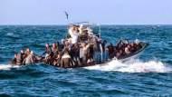 استنفار في المغرب واسبانيا بسبب صناعة قوارب الموت