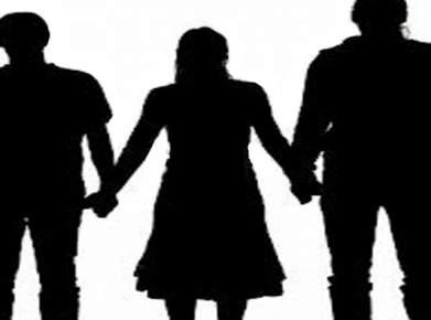 مكناس.. تطورات مثيرة في قضية الاستاذة التي تزوجت رجلين
