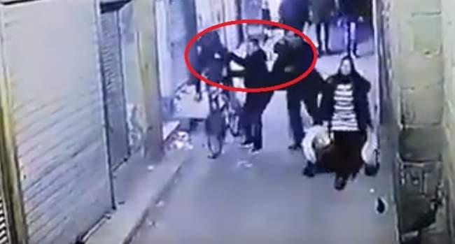 بالفيديو.. لحظة تفجير إرهابي مصري نفسه أثناء قيام الشرطة بإلقاء القبض عليه