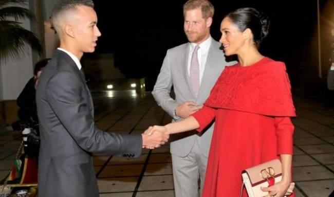 فيديو.. هكذا استقبل الأمير مولاي الحسن الأمير هاري وعقيلته الأميرة ميغان