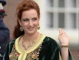 """مجلة """"هولا"""" الإسبانية تتحدث عن للا سلمى بعد زيارة صديقتها ملكة اسبانيا للمغرب"""