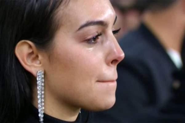 شاهد.. بعد الدموع .. جورجينا تنشر صورة مثيرة لرونالدو عقب موقعة الأتلتيكو