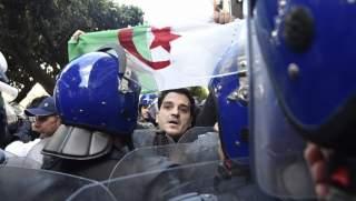 خالد فتحي: نقرات على هامش الربيع الجزائري