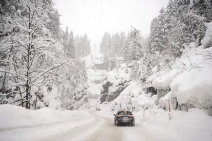 مرة أخرى..الأمطار والثلوج تعود إلى المغرب