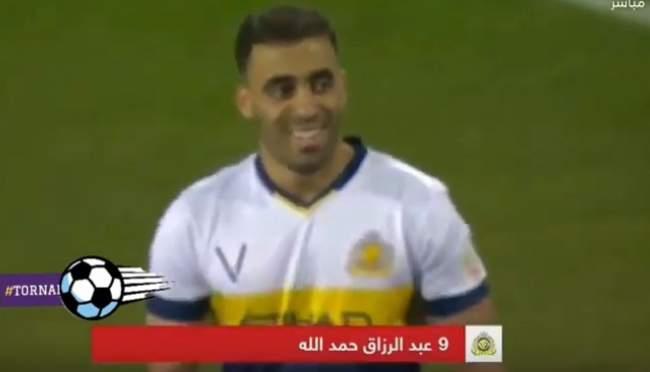 هاتريك حمد الله التاريخي في مباراة الرائد وجنون المعلق (فيديو)