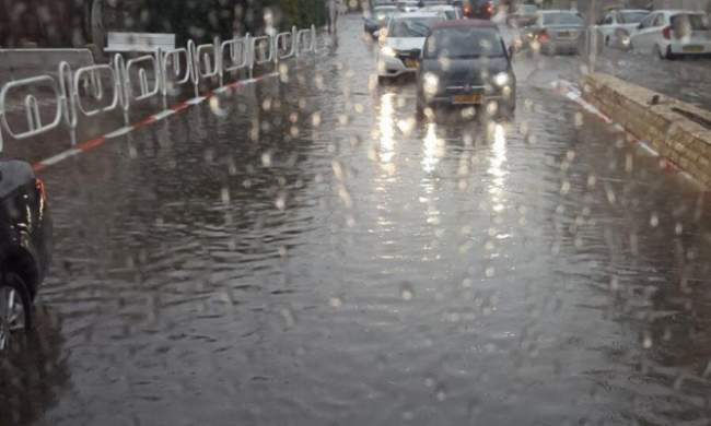 الأمطار تعود من جديد إلى المغرب