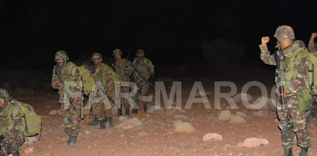 شاهد.. اضخم مناورة عسكرية للجيش المغربي قرب الحدود الجزائرية (صور حصرية)