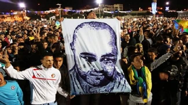 """فيديو.. جماهير الرجاء البيضاوي تهتف باسم محسن فكري ضحية """"طحن مو"""""""