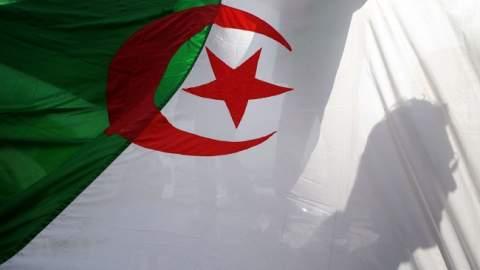 المحكمة تستدعي الوزير الأول الجزائري السابق أويحيى للتحقيق