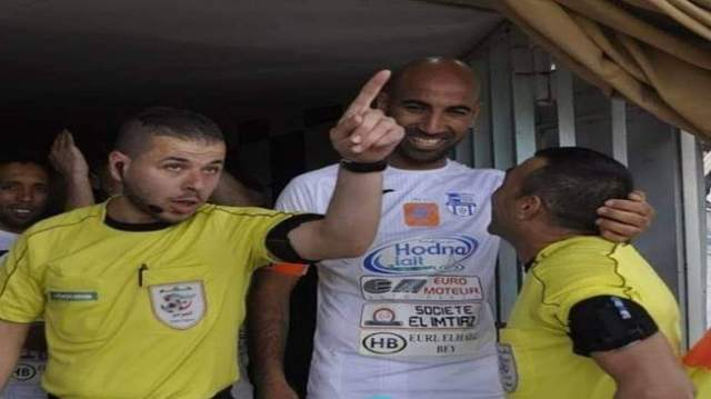 حكم جزائري ينطح لاعبا والعقوبة كانت صارمة