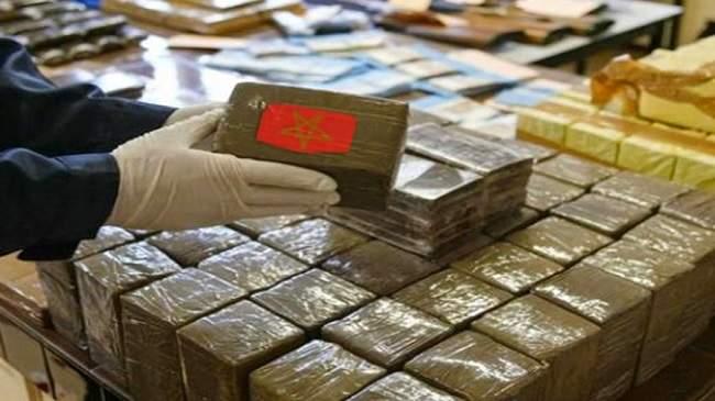 من يحقق الثراء من الحشيش المغربي ؟.. قناة عالمية تكشف معطيات خطيرة