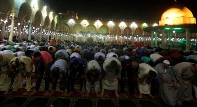أسماء الدول الإسلامية التي أعلنت أول أيام رمضان!